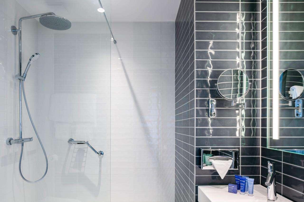 Hotel Sainte-Barbe - Bathroom